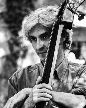 Leggi: «Albinea Jazz, il concerto del Patitucci…»